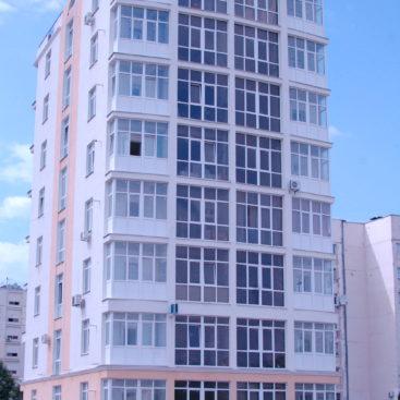 Остекление-многоквартирного-дома-ул.-Кесаева-18А